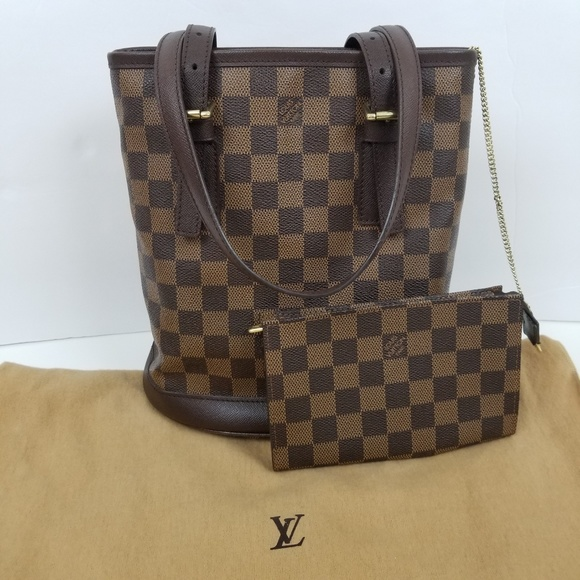 1562531f6d0 Louis Vuitton Handbags - Exclt Louis Vuitton Marais Bucket Bag Damier Ebene
